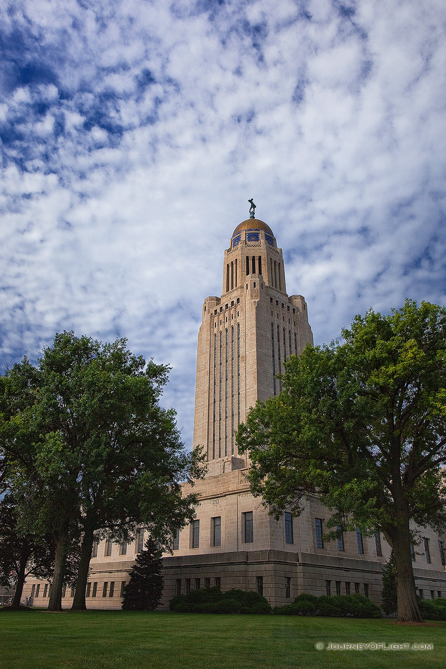 The state capitol building in lincoln photograph scenic for Lamp and lighting warehouse lincoln ne